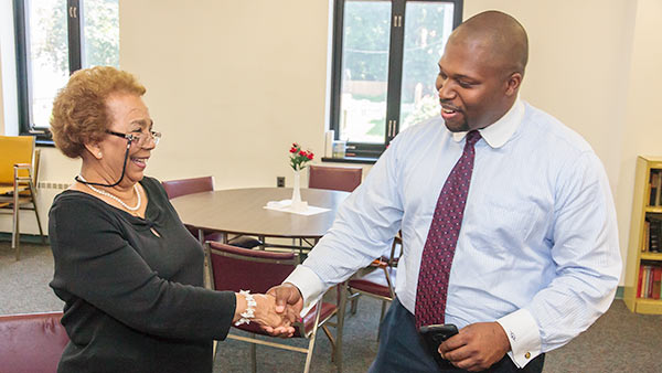 Senator Winfield greets a constituent.