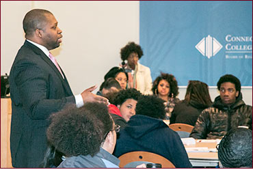 Senator Winfield talking to students