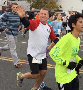 larson runs race