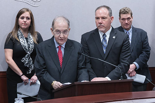 photo of Senator Looney and Speaker Aresimowicz.